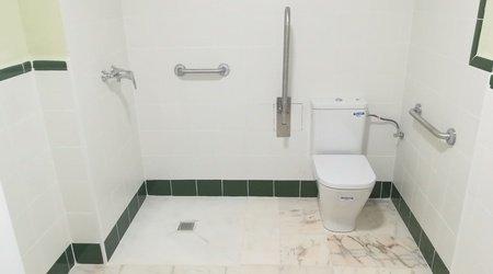 Disabled bathroom ele andarax hotel aguadulce