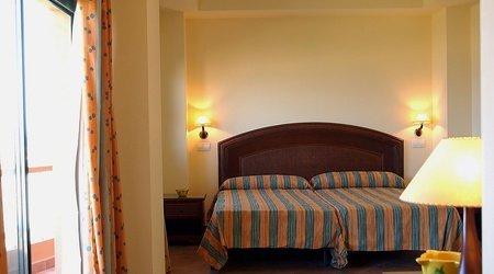 Room ATH Las Salinas Park Hotel