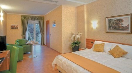 Double Deluxe Room ELE Green Park Hotel Pamphili