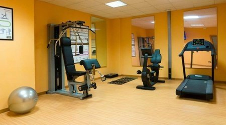 Gym ele green park hotel pamphili rome, italy