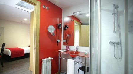 Single room bathroom ele enara boutique hotel valladolid