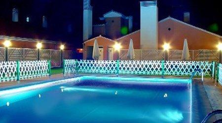Swimming pool Puerta de Monfragüe Hotel ELE