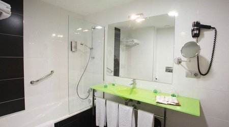 Family room bathroom ele enara boutique hotel valladolid
