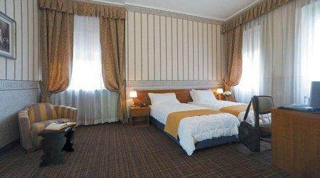 Standard room ELE Green Park Hotel Pamphili