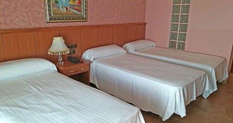 TRIPLE ROOM Hotel Complejo ELE Real de Castilla