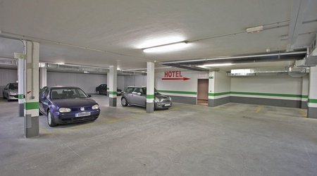 Parking ele enara boutique hotel valladolid