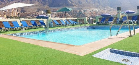 Exterior pool ele andarax hotel aguadulce