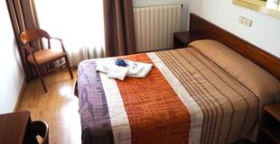 Superior double room with balcony ele acueducto hotel segovia