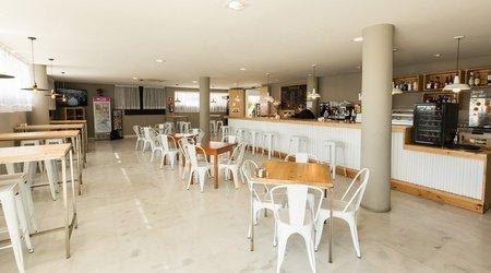 Cafeteria ELE Domocenter Apartments