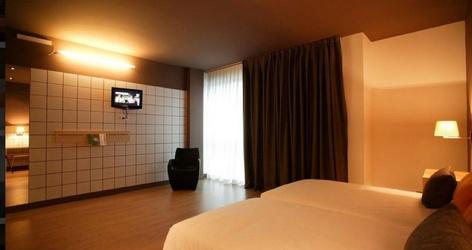 Doubles rooms plus 2 extra beds ele hotelandgo arasur hotel rivabellosa