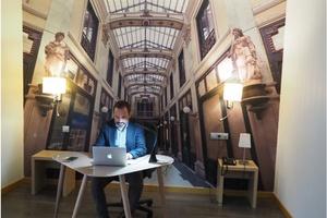 ENARA BUSINESS CENTER. Encuentra una habitación despacho adecuada para trabajar durante tu viaje de negocios ELE Hotels