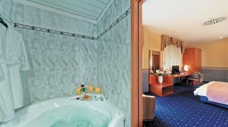 Double superior room ele green park hotel pamphili rome, italy