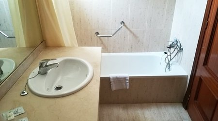 Bathroom ELE Don Ignacio Hotel